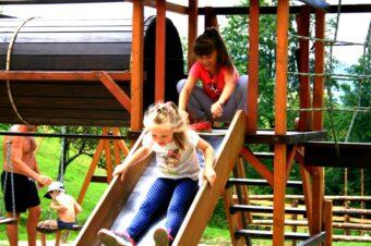 Озеро Vita – все для відпочинку з дітьми в Карпатах влітку