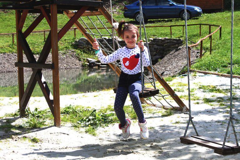Отдых с детьми Весна в Карпатах Озеро Вита