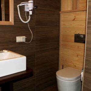 Новий готель –  сімейний напівлюкс двокімнатний 8
