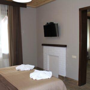 Новий готель –  сімейний напівлюкс двокімнатний 2